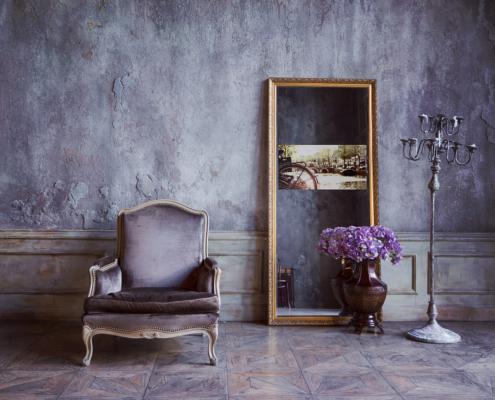 Spectra Mirror TV room